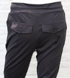 Angelle Milan traveler broek achterkant